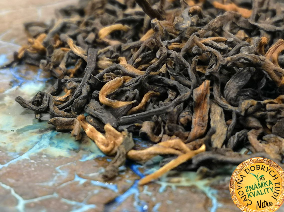 GONG-TING TOP 2016, SHU-CHA - MENGHAI, OLD TREES, spring leaves